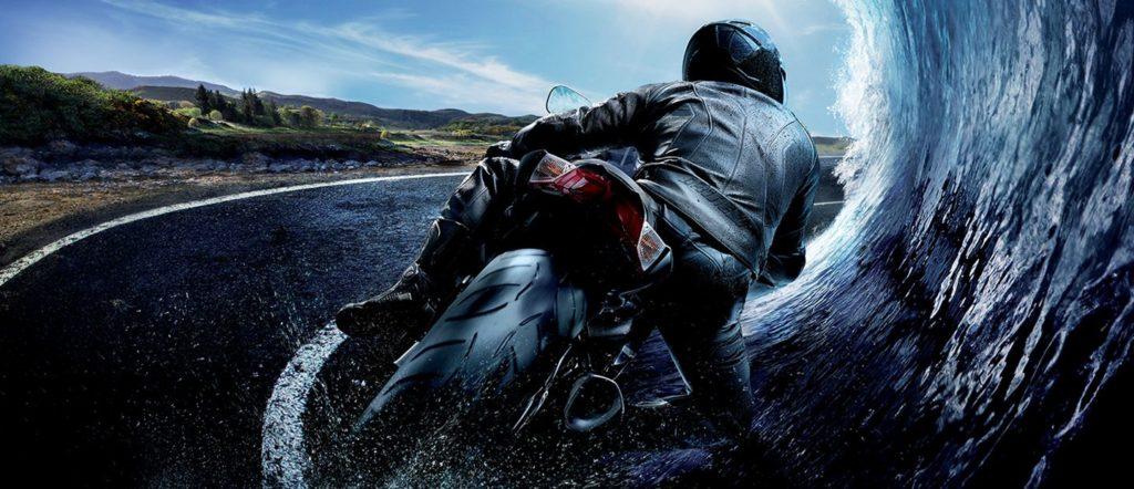 Pub pneus moto marque Metzeler adherence