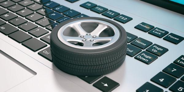 Achat de pneus pas cher en ligne avec un ordinateur
